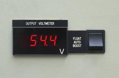 El panel e interruptor del metro de voltio de la salida Imagenes de archivo