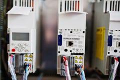 El panel eléctrico, metro eléctrico y disyuntores eléctrico Fotos de archivo