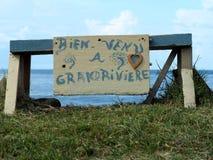 El panel hecho por los niños del pueblo en magnífico-Rivière en la extremidad septentrional de la isla de Martinica fotos de archivo