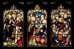 El panel inconsútil colorido del vitral en Edimburgo Fotos de archivo