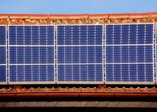 El panel solar en la azotea foto de archivo libre de regalías