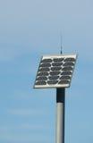 El panel solar en poste - aislado Fotos de archivo