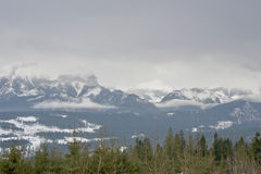 El panorama de la montaña de Rysy en las montañas de Tatra Foto de archivo libre de regalías