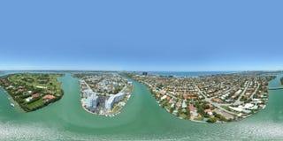 El panorama esférico aéreo Miami Beach se dirige en la isla de la costa Foto de archivo