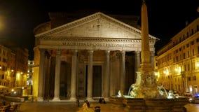 El panteón en la noche, Roma, Italia, timelapse, enfoca adentro, 4k almacen de metraje de vídeo