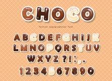 El papel cortó las letras y los números de ABC, hechos de diferentes tipos de chocolate en el fondo de la oblea Imágenes de archivo libres de regalías