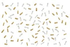 El papel del confeti del brillo del oro y de la plata cortó en el fondo blanco imagen de archivo libre de regalías