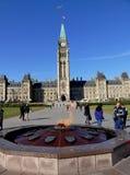 El parlamento de Canadá en la colina del parlamento en Ottawa fotos de archivo