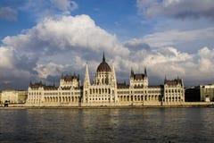 El parlamento húngaro en Budapest fotos de archivo libres de regalías