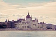 El parlamento histórico que construye Budapest imágenes de archivo libres de regalías