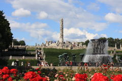 El parque único de la escultura es lifework del ` s de Gustav Vigeland con más de 200 esculturas en el bronce, granito y Imagen de archivo