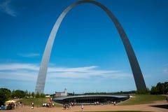 El parque nacional del arco de la entrada en el santo Louis Missouri fotografía de archivo libre de regalías