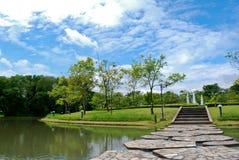 El parque y el agua Fotos de archivo