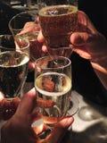 El partido de los vidrios de Champán celebra Imágenes de archivo libres de regalías