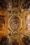 El pasillo de espejos en el ala central del palacio de Versalles foto de archivo