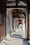 El pasillo de la orilla en una ciudad china foto de archivo libre de regalías