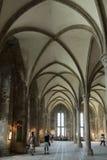 El pasillo de los caballeros, Mont Saint Michel Abbey, Francia Imagen de archivo