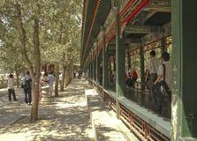 El pasillo largo en el palacio de verano Pekín Foto de archivo