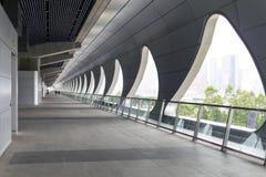 El pasillo largo en Kai Tak Cruise Terminal Fotografía de archivo