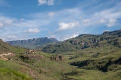 El paso de Sani, paso de monta?a muy alta que conecta Sur?frica con Lesotho imagenes de archivo