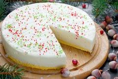 El pastel de queso Nueva York para la Navidad y el Año Nuevo van de fiesta Imagen de archivo libre de regalías