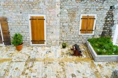 El patio de la fortaleza Imagenes de archivo