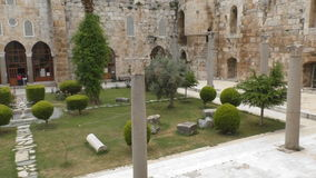 El patio de un palacio antiguo del turco metrajes