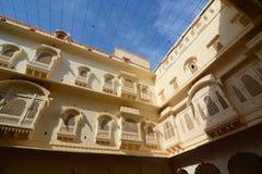 El patio Fuerte de Junagarh Bikaner Rajasthán La India Fotografía de archivo
