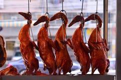 El pato de carne asada cuelga en el escaparate Comida preferida de Tailandia Imágenes de archivo libres de regalías