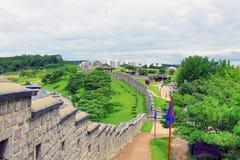 """El patrimonio mundial de la UNESCO de Corea localiza fortaleza de Hwaseong del †""""y ciudad de Suwon Imágenes de archivo libres de regalías"""