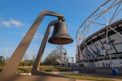 El peldaño de la campana en la ceremonia de inauguración 2012 de Londres foto de archivo libre de regalías