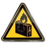 El peligro no seca ninguna ropa en la calefacción eléctrica Imagen de archivo