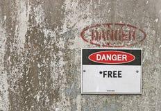 El peligro rojo, blanco y negro, términos del *Free aplica la señal de peligro Fotos de archivo libres de regalías