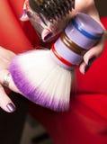 El peluquero corta el pelo Fotografía de archivo libre de regalías