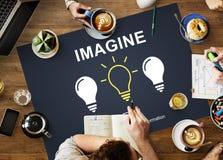 El pensamiento creativo de las ideas se imagina concepto de la inspiración fotografía de archivo libre de regalías