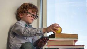El pequeño genio comprende ciencia metrajes
