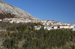 El pequeño pueblo de Opi Foto de archivo