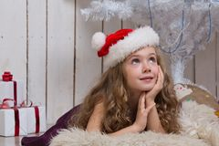 El pequeño soñar de la muchacha Fotos de archivo libres de regalías