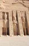 El pequeño templo de Nefertari Abu Simbel, Egipto Imágenes de archivo libres de regalías