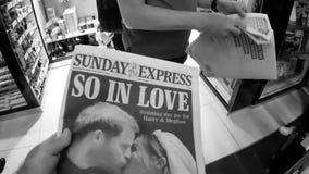 El periódico británicos presiona el quiosco que ofrece los retratos de príncipe Harry y Meghan Markle