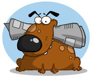 El perro de Brown sostiene el periódico en boca Fotografía de archivo libre de regalías