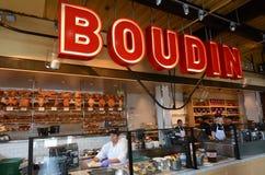 El personal funciona en la panadería de Boudin en San Francisco - California Fotografía de archivo libre de regalías
