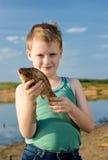 El pescador joven. Fotografía de archivo libre de regalías