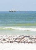 El petróleo se lava en tierra en la playa de Pensacola Fotografía de archivo