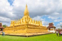 El Pha que el stupa de Luang es el símbolo de la ciudad de Vientián Imagen de archivo