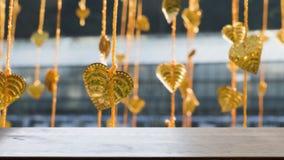 El pho del oro deja la ejecución en árbol de oro y x28; image& x29 de la falta de definición; con el selecte Fotografía de archivo libre de regalías