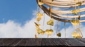 El pho del oro deja la ejecución en árbol de oro y x28; image& x29 de la falta de definición; con el selecte Fotos de archivo libres de regalías