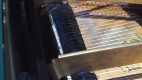 El piano martilla jugar las llaves primer, fondo de la música almacen de video