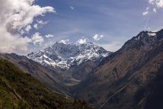 El pico más alto de Perú del paisaje de la cordillera Imágenes de archivo libres de regalías