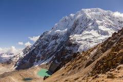 El pico más alto de Perú del paisaje de la montaña Imágenes de archivo libres de regalías